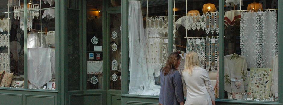 Saumur-lace-shop